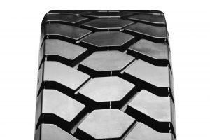 V1600 Power Retread tyre